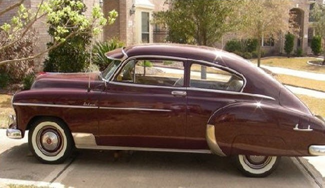 Dark red 1949 Chevrolet Fleetline
