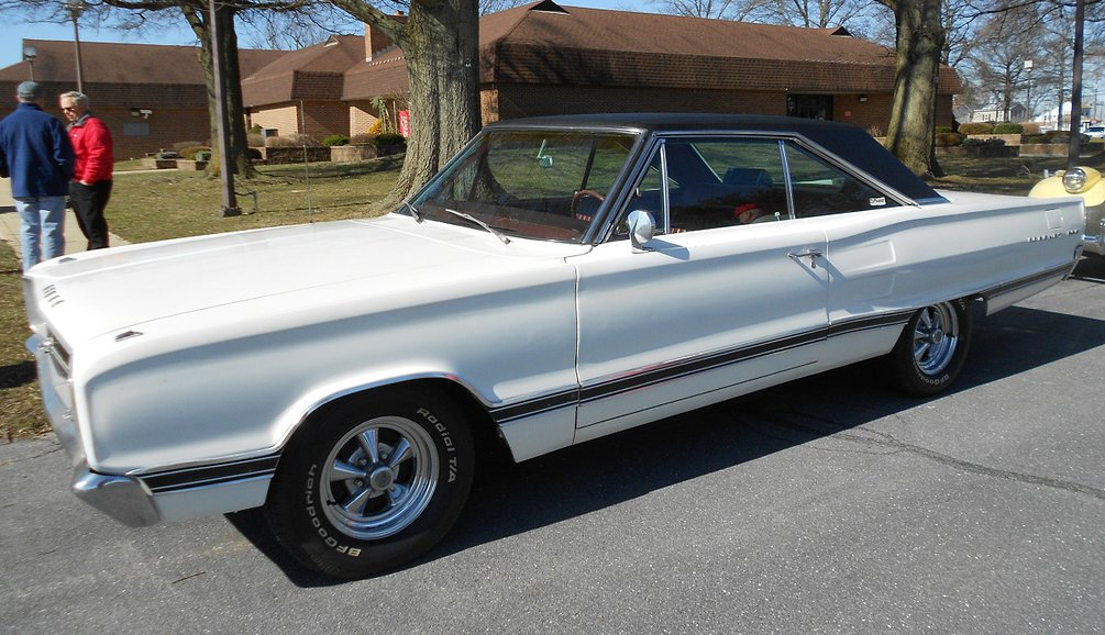 White 1967 Dodge Coronet 500